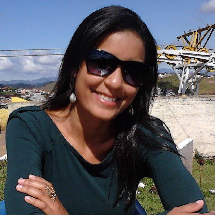 Aline Daniela Júlio